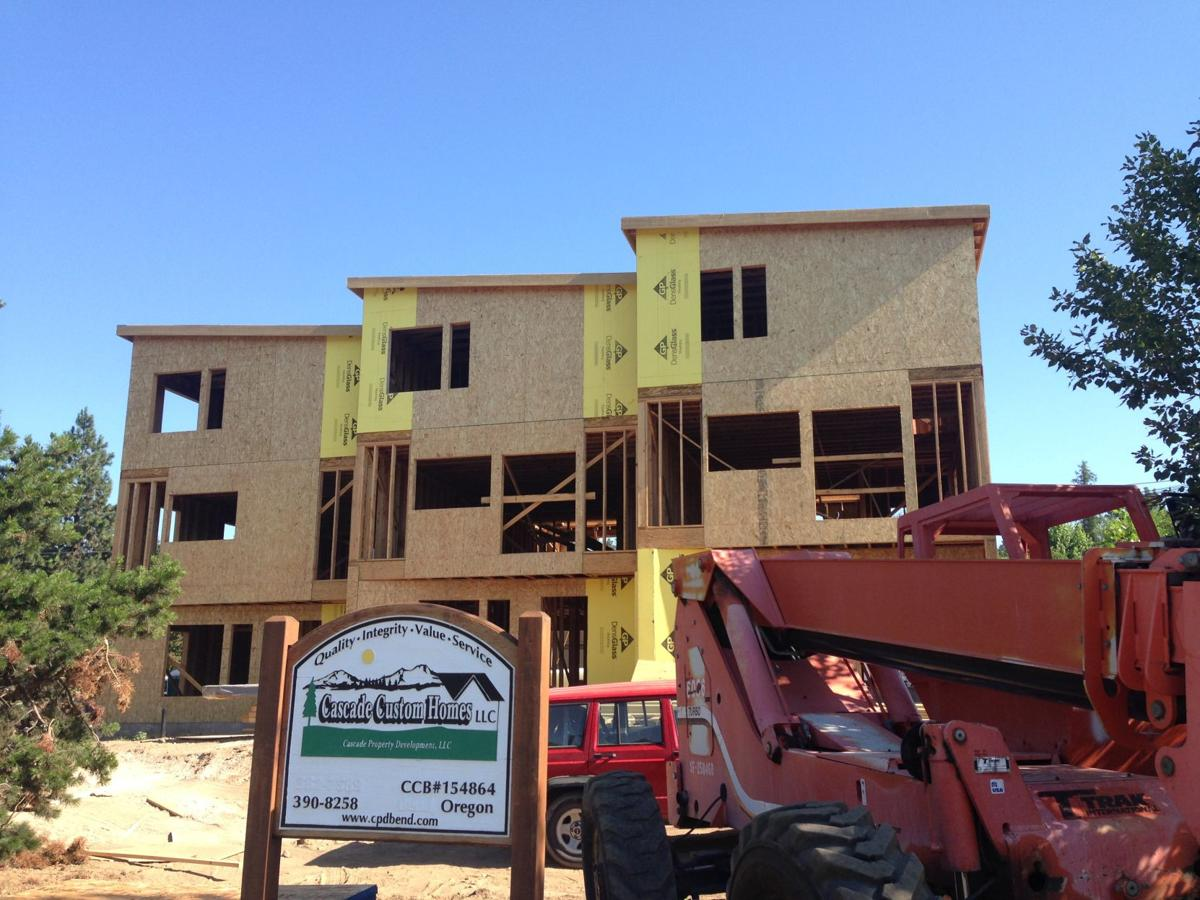 Townhomes Going Up On Newport Avenue In Bend Business Bendbulletin Com