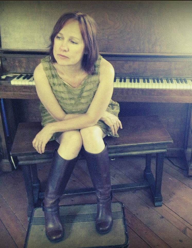 The return of Iris DeMent