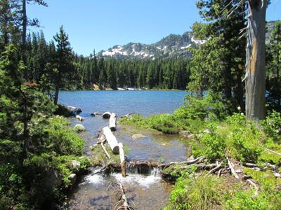 Hiking to Carl Lake