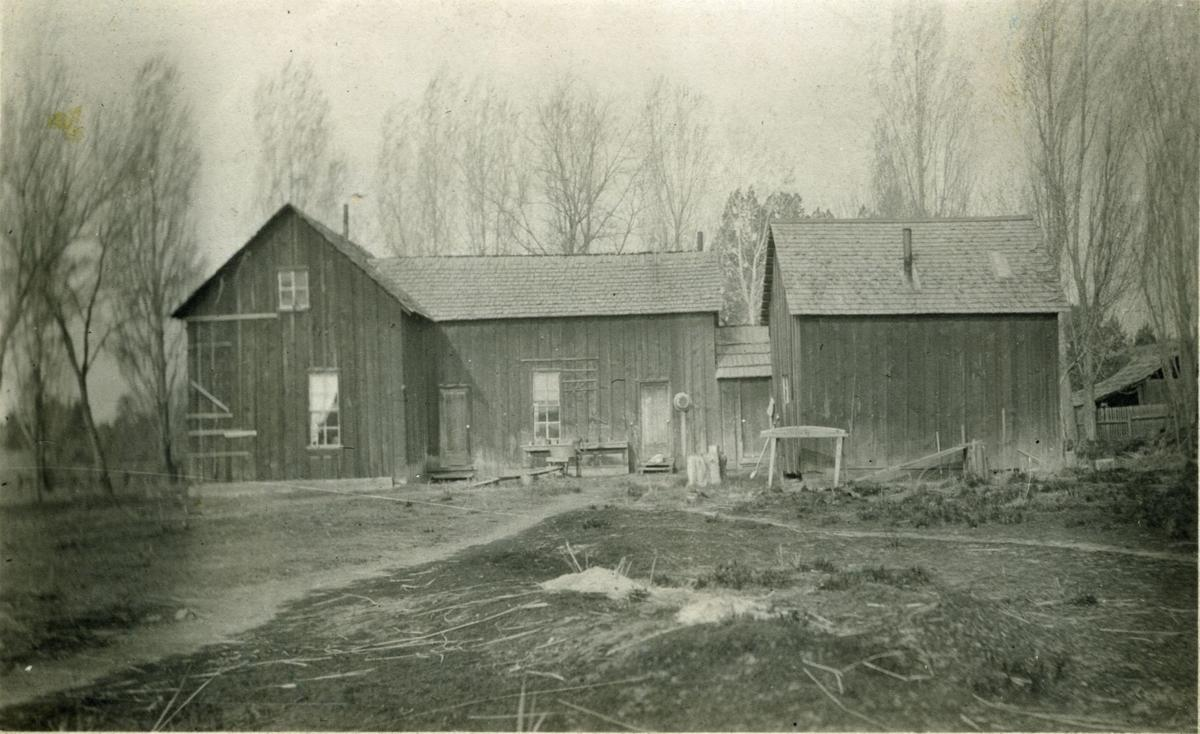 Redmond- Tethrow Ranch House c.1915 (1).jpg