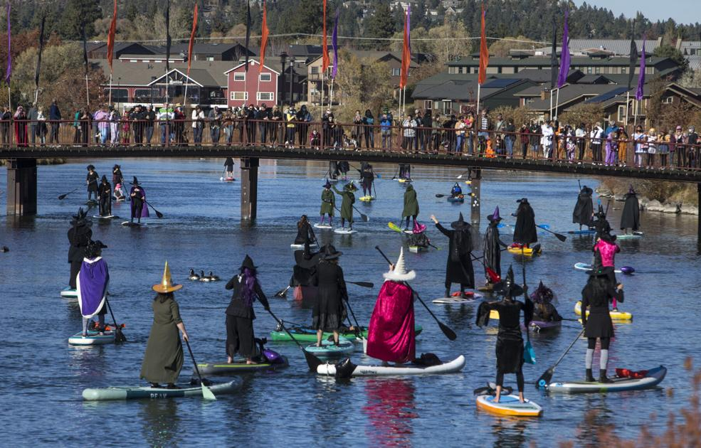 Witches take over Deschutes River during Halloween paddle