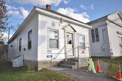 Question holds up vote on Pownal town hall proposal