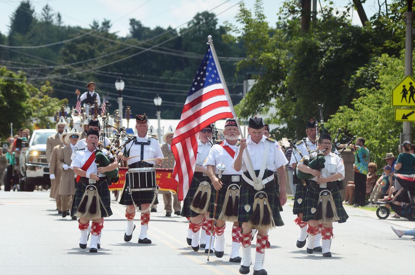 parade three