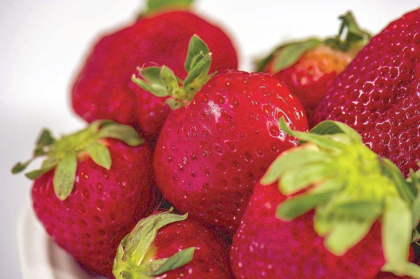 Fresh strawberries for breakfast? Yes!