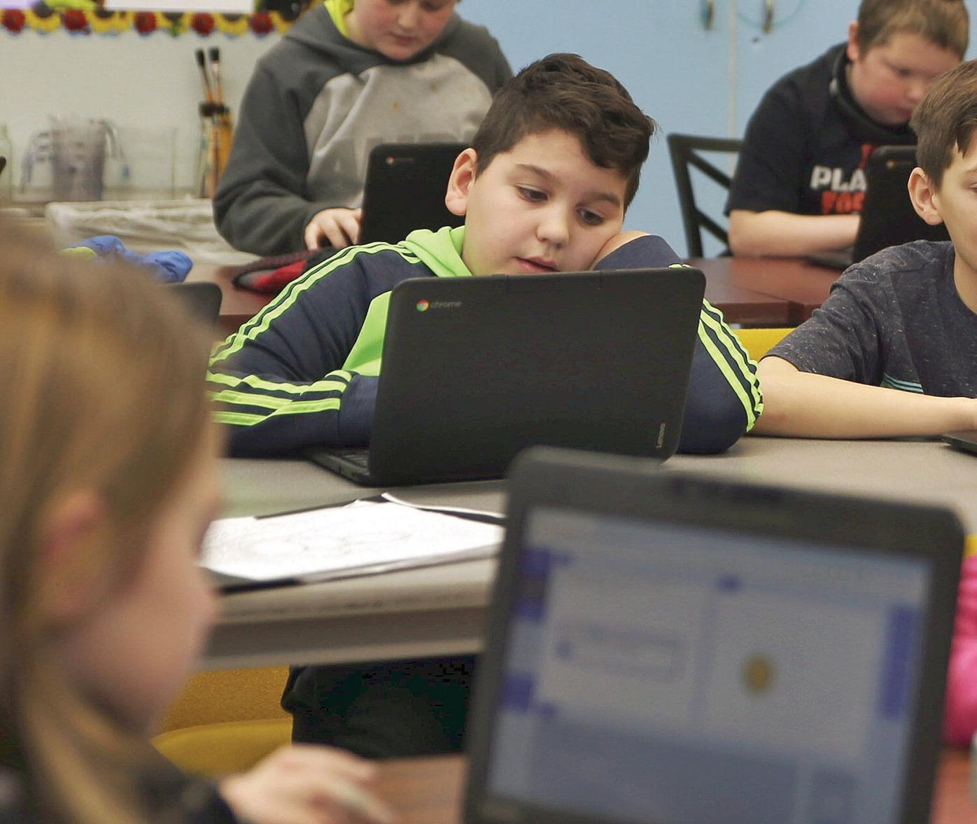 Pownal students learn coding