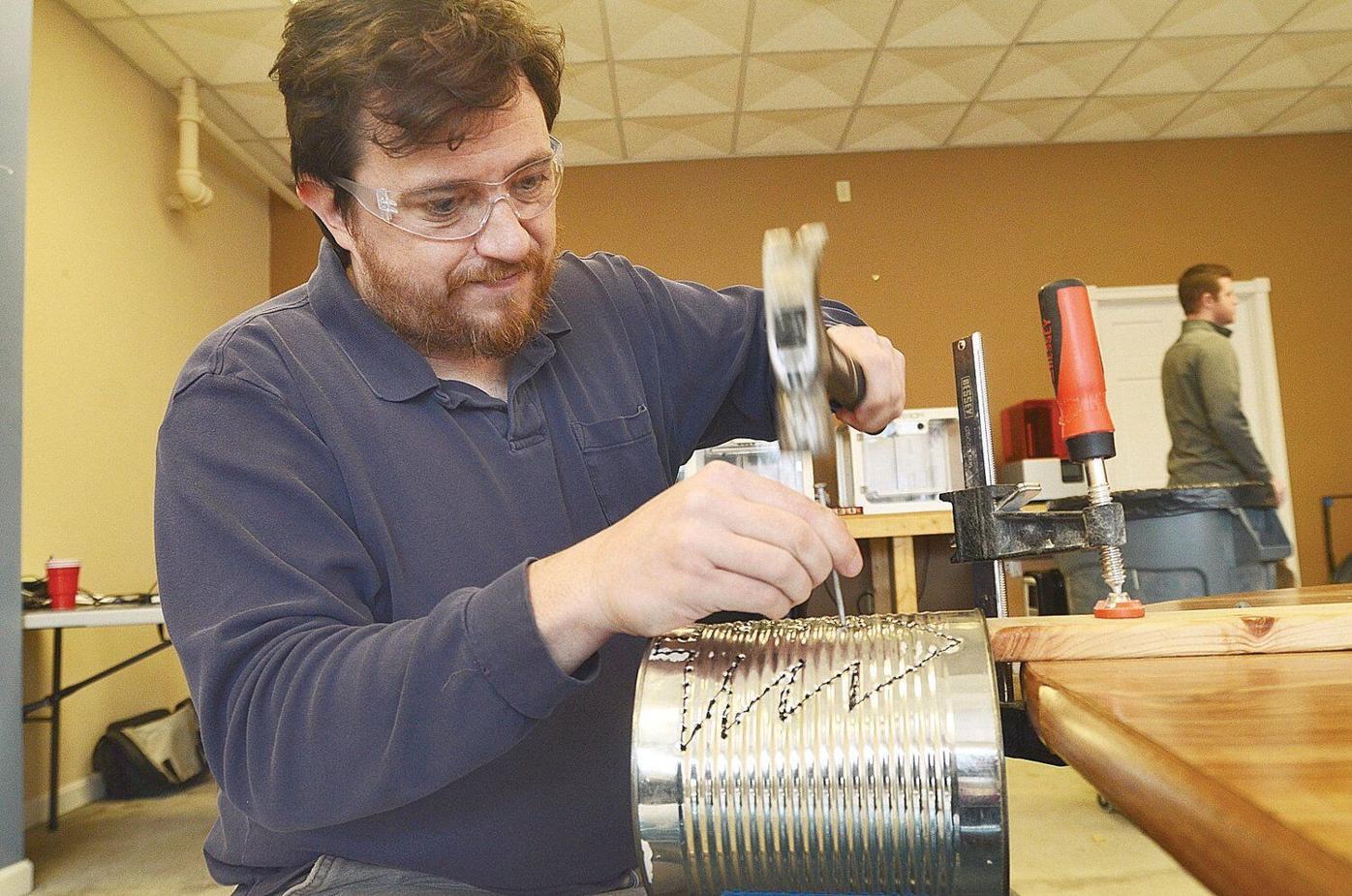 Community 'makerspace' opens in Bennington