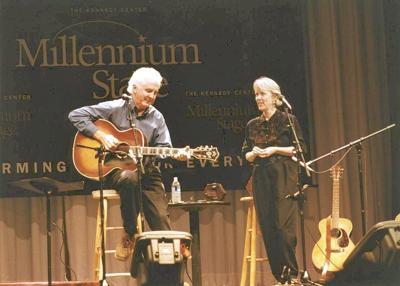 Duo to perform traditional folk music in Bennington