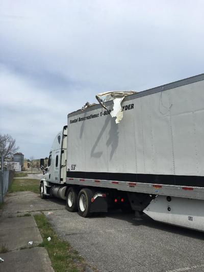 Tractor trailer strikes railroad trestle bridge in Bennington - 4/28/21