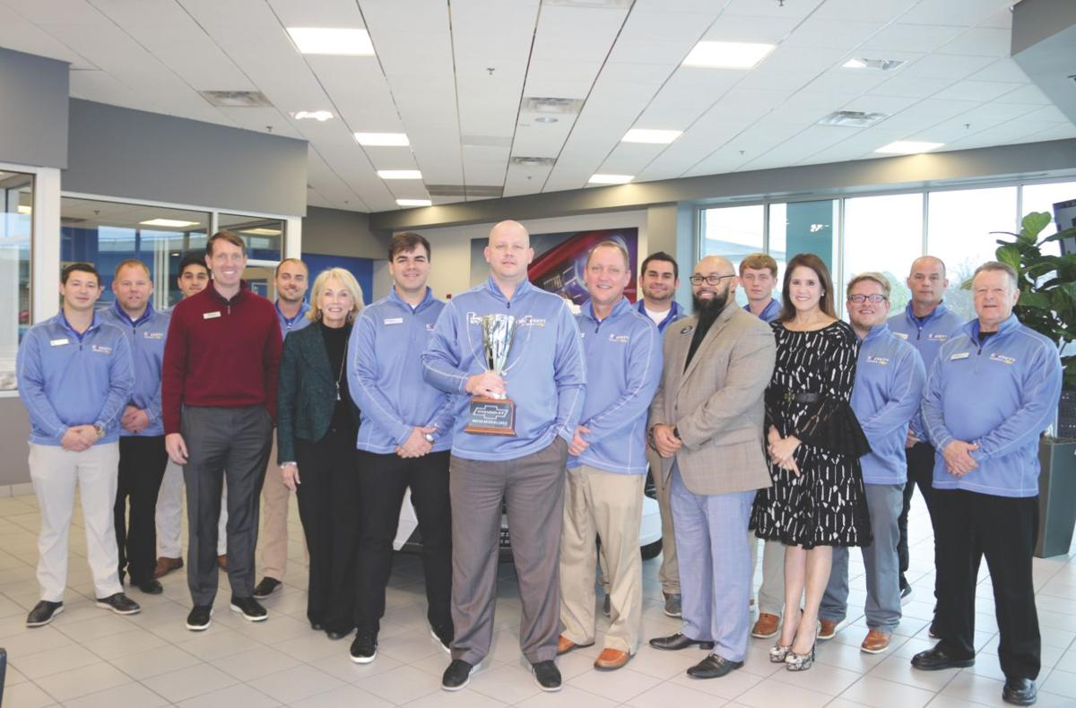 Everett Chevrolet Named Number One News Bentoncourier Com