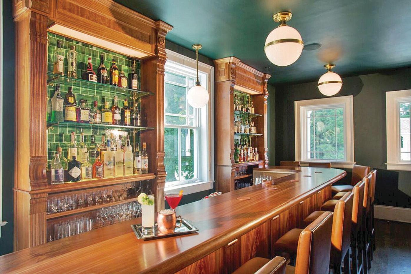 Kemble Inn brings back lawn service, opens new bar (copy)