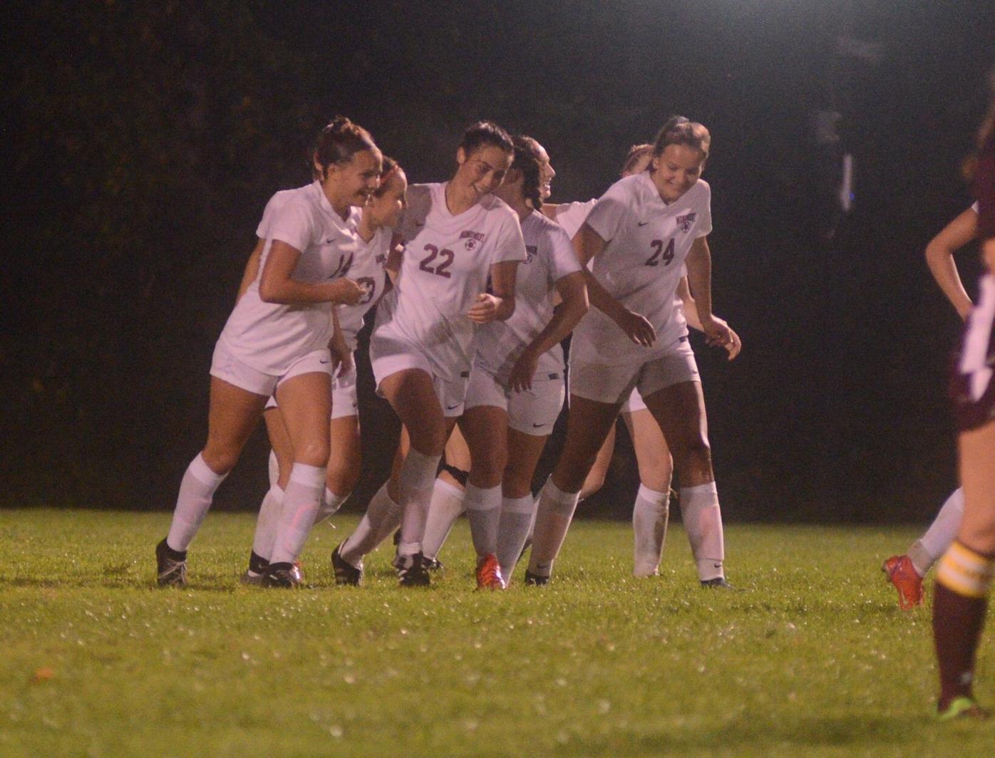 Spartans celebrate Kinne's goal