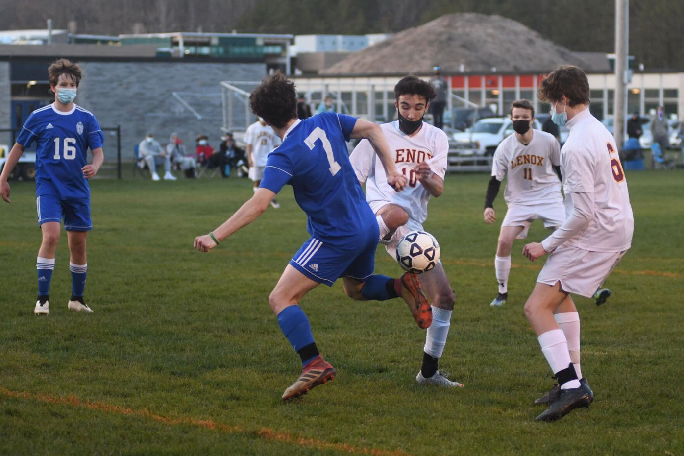 2021-04-28-LXWAHSOCCER-2
