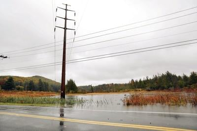Near-hurricane-force winds blow through Berkshire County; flood warnings issued (copy)