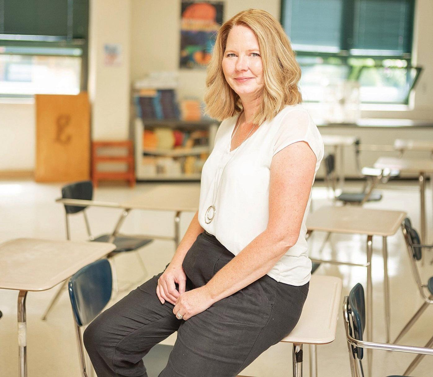 'Honored' Lee teacher wins Kapteyn Prize