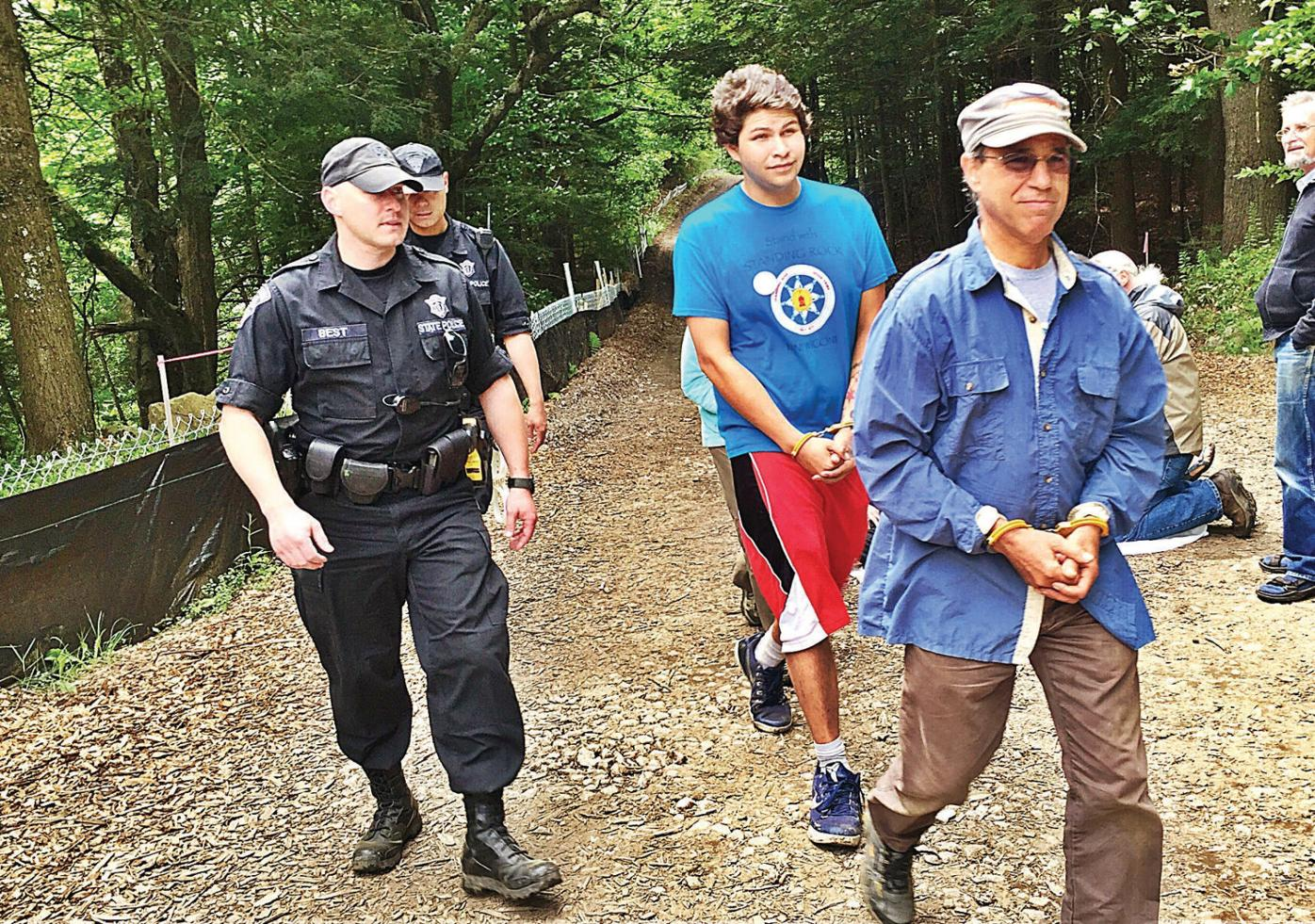 More arrests in anti-pipeline action: Standing Rock Sioux now part of resistance