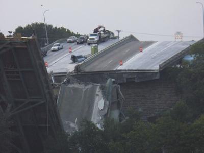 APTOPIX Minnesota Bridge Collapse