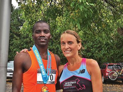 Runners brave the rain to run in Ramblefest Half Marathon and 8K