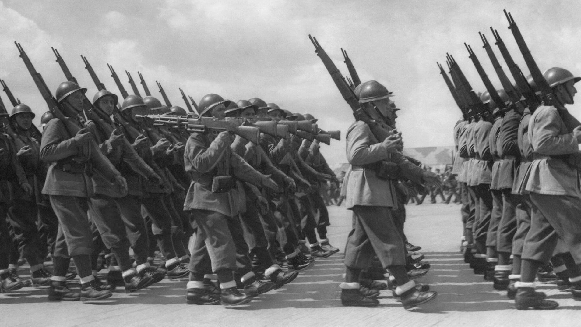 WWII England French Troops