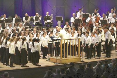 New choral work highlights a refreshing evening of music at Tanglewood on Parade gala