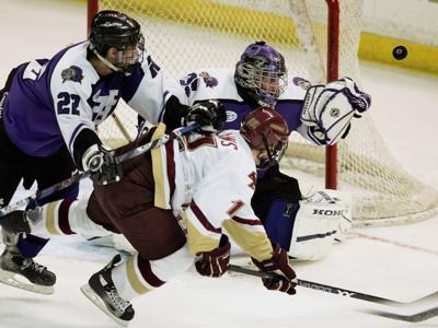 Holy Cross men's hockey