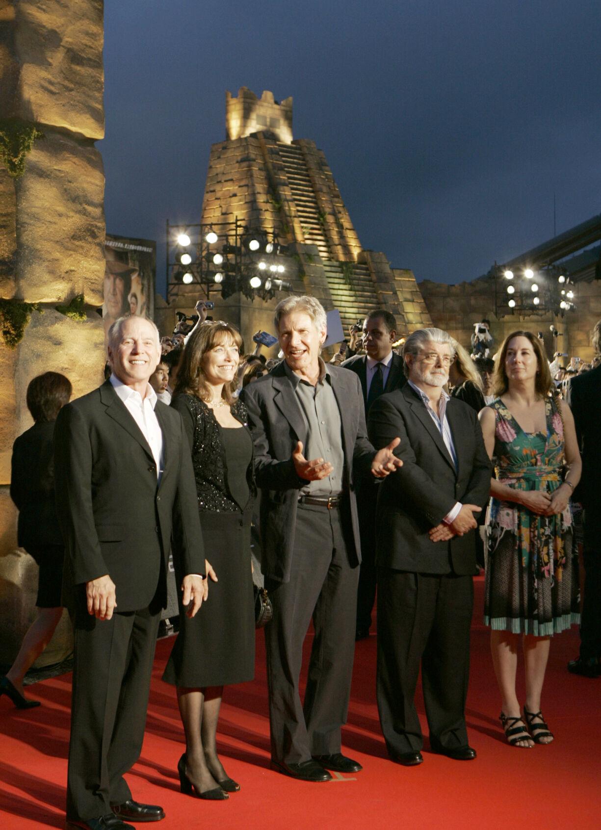 Harrison Ford, George Lucas, Karen Allen, Frank Marshall, Kathleen Kennedy