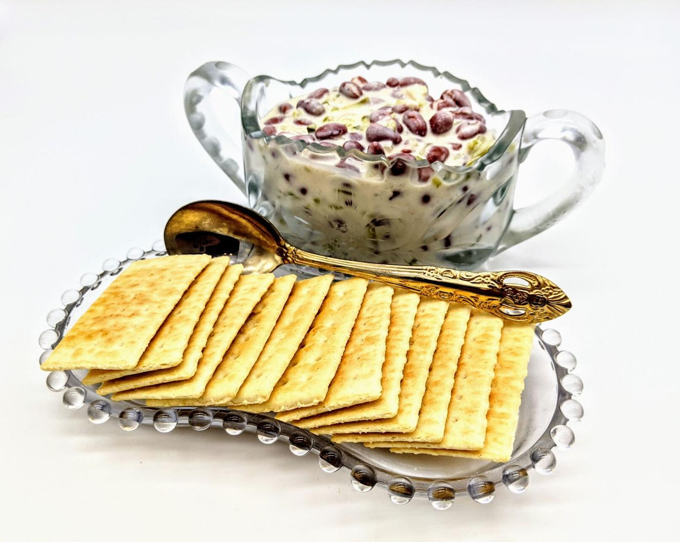 kidney bean dip with a side of crackers