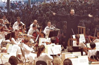 Andris Nelsons Conducts at the Shed (Hilary Scott)-T5.jpg