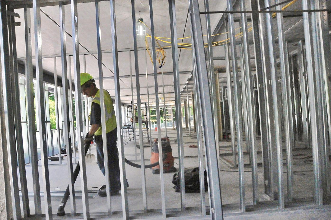 As new Williams Inn rises, goal is to nail down outside essentials by winter
