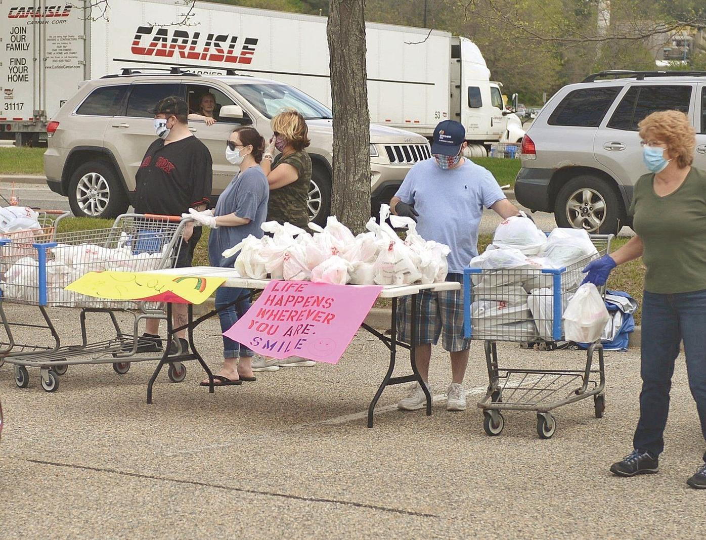 Pittsfield steelworkers union hands out meals to those in need