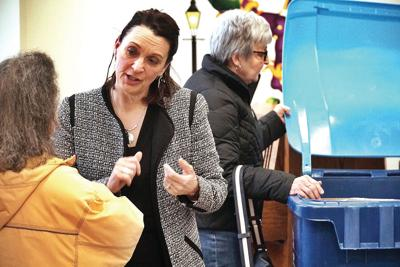 Pittsfield seniors toss questions to Tyer on tote-based trash pickup plan