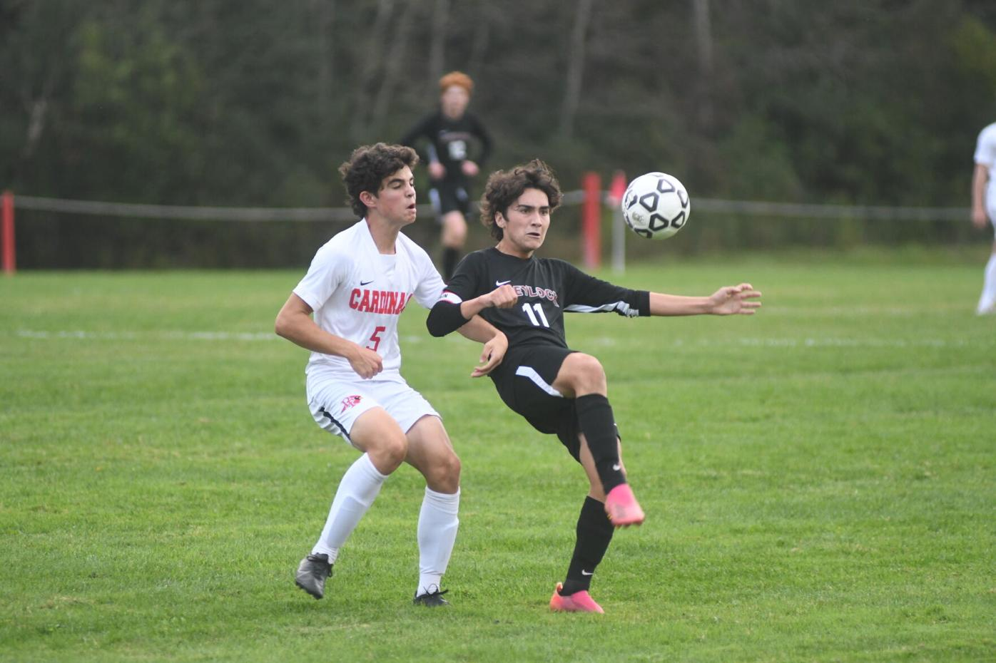 Diego Galvez kicks the ball
