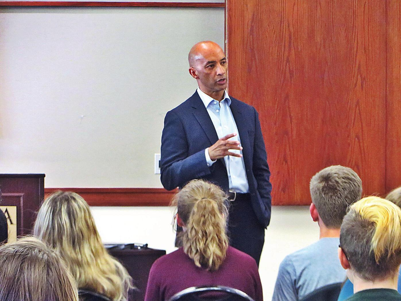 HARDMAN LECTURE | Byron Pitts at MCLA: 'The job of a journalist is to give voice to people like me'