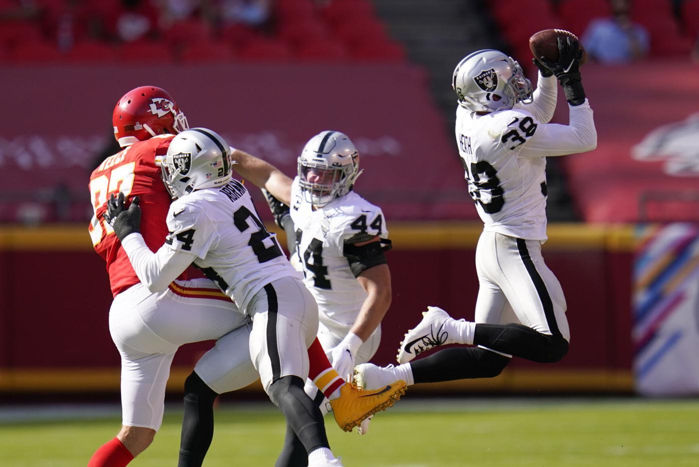 APTOPIX Raiders Chiefs Football