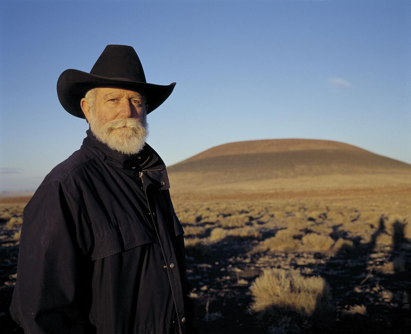 RS142291_James Turrell at Roden Crater (c) James Turrell-hpr.jpg