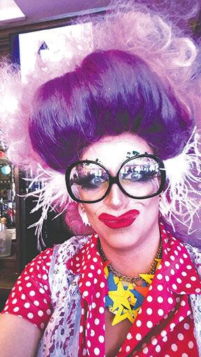 Muffy Fishbasket and her Christmas cabaret