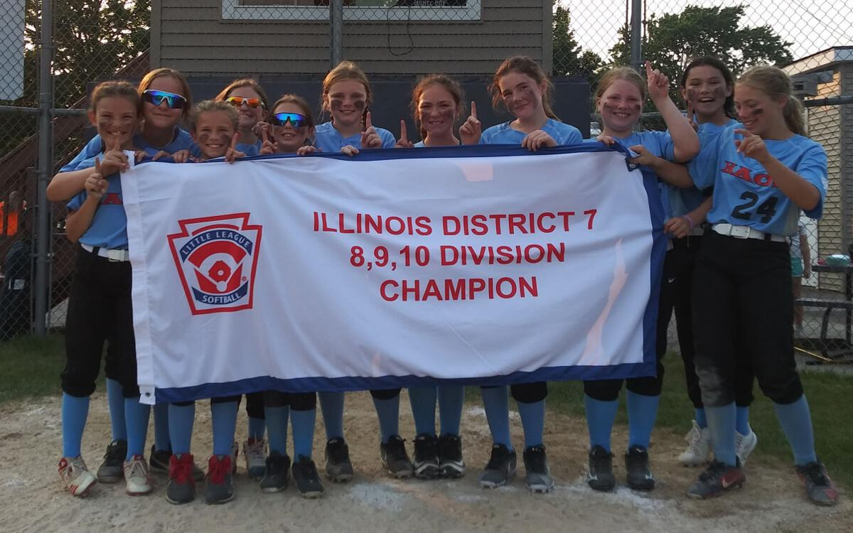 The Kennedy Park 10U softball team