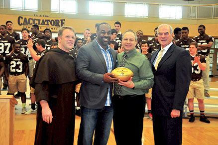 Mcnabb Returns To Alma Mater Sports Beverlyreviewnet