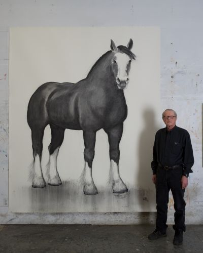 Beckman, William poses with drawing of Clydesdale.jpeg