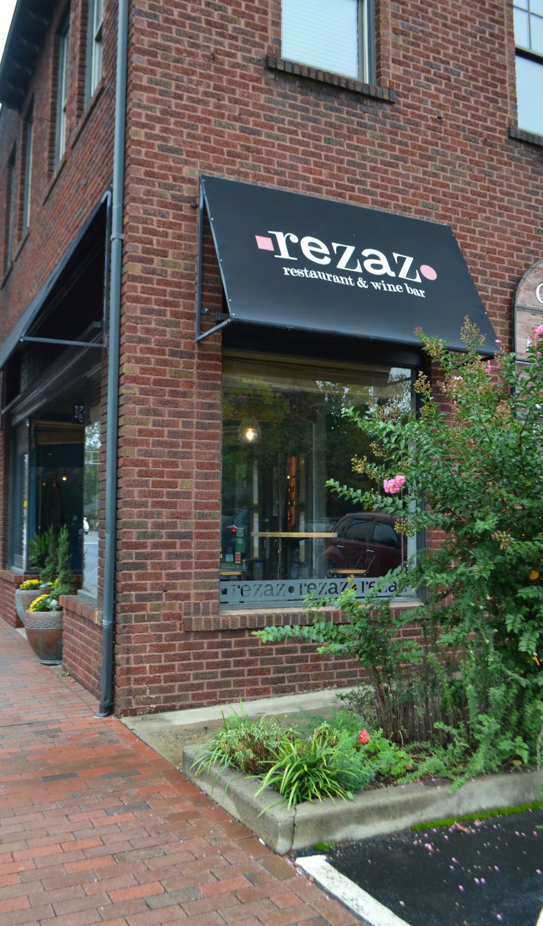 Savor Middle Eastern Flavors At Rezaz