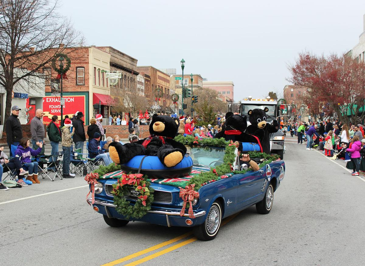 Hendersonville-Christmas-parade.jpg