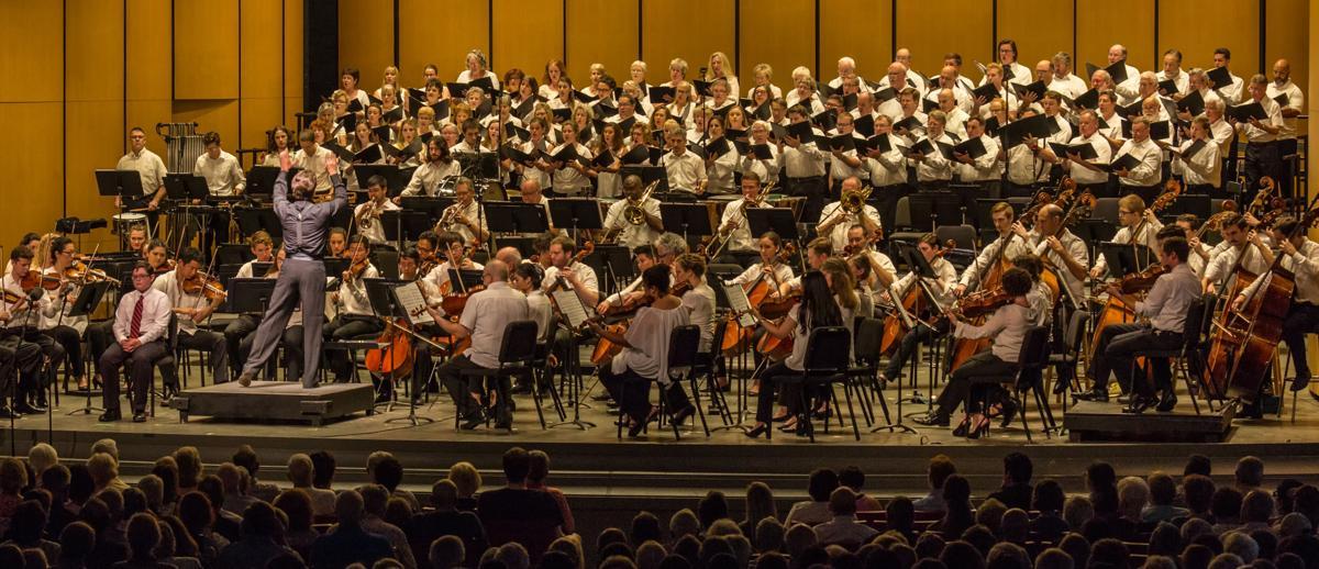 1_BMC Artistic Director Keith Lockhart with orchestra and chorus_photo Chuck Gilmore.jpg