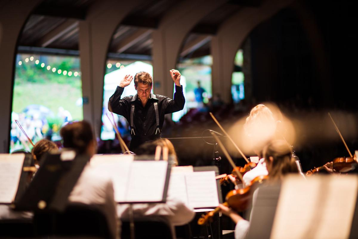 1_BMC Artistic Director Keith Lockhart on stage_3_Photo Credit Mike Belleme.jpg
