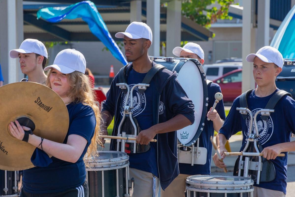 Parade Progress Band.jpg