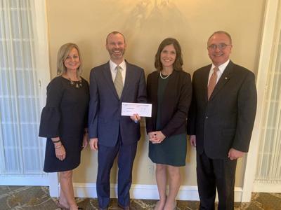 Bank donates to scholarship foundation