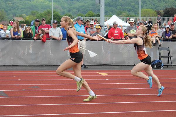 Bloomer Girls 4x200 & 4x100 Relay Teams Take First At State
