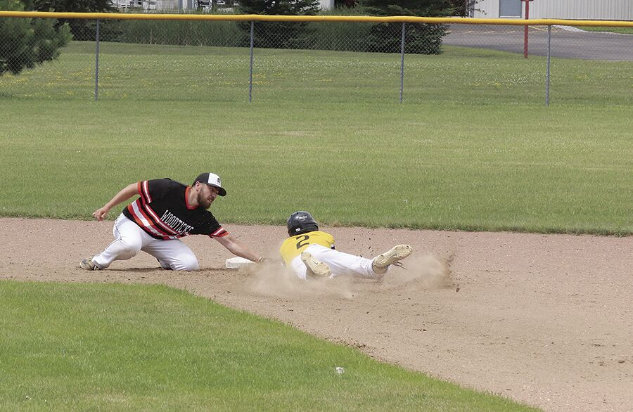 Poirer Tags Runner At Second