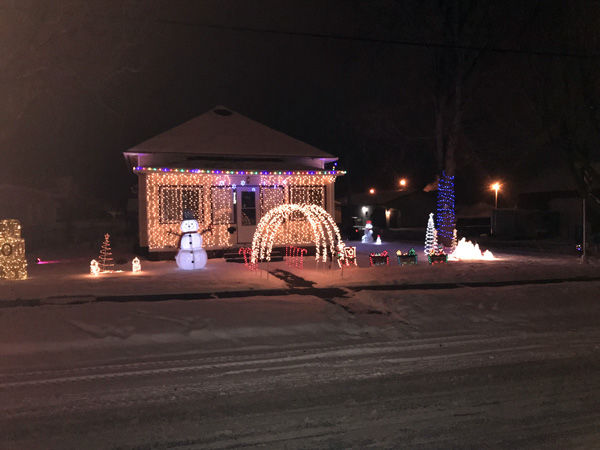 2017 Bloomer Home Lighting Contest Continued & 2017 Bloomer Home Lighting Contest Continued | Community News ... azcodes.com