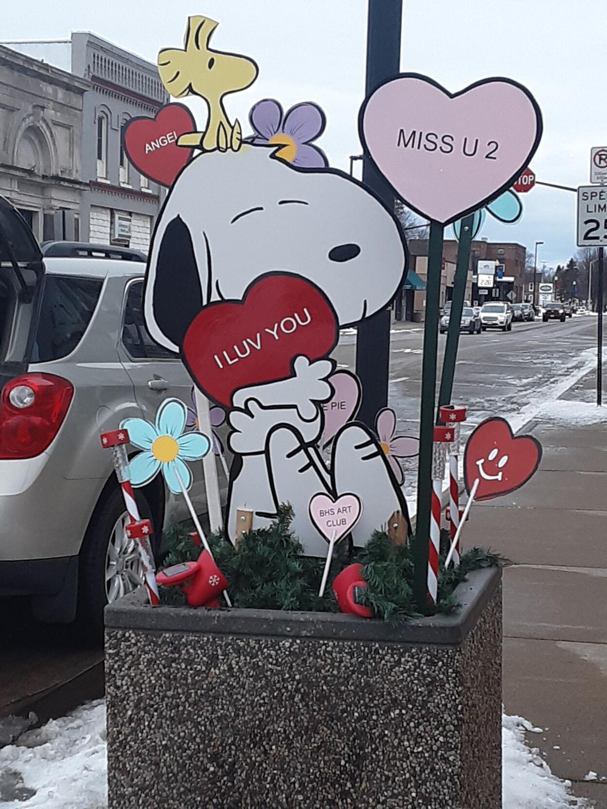 Snoopy_Porch_pot.jpg