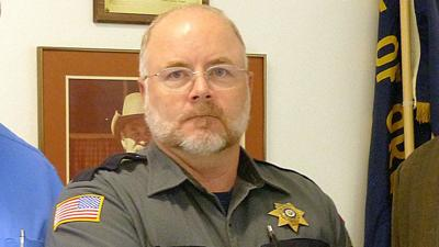 Members of armed group occupying refuge meet with Grant County sheriff in John Day