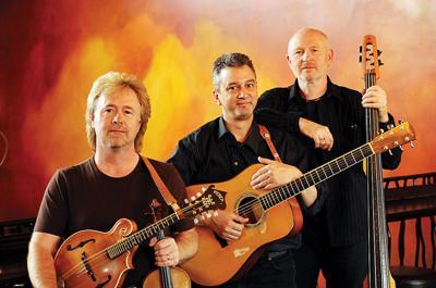 Musical trio to play Prairie City